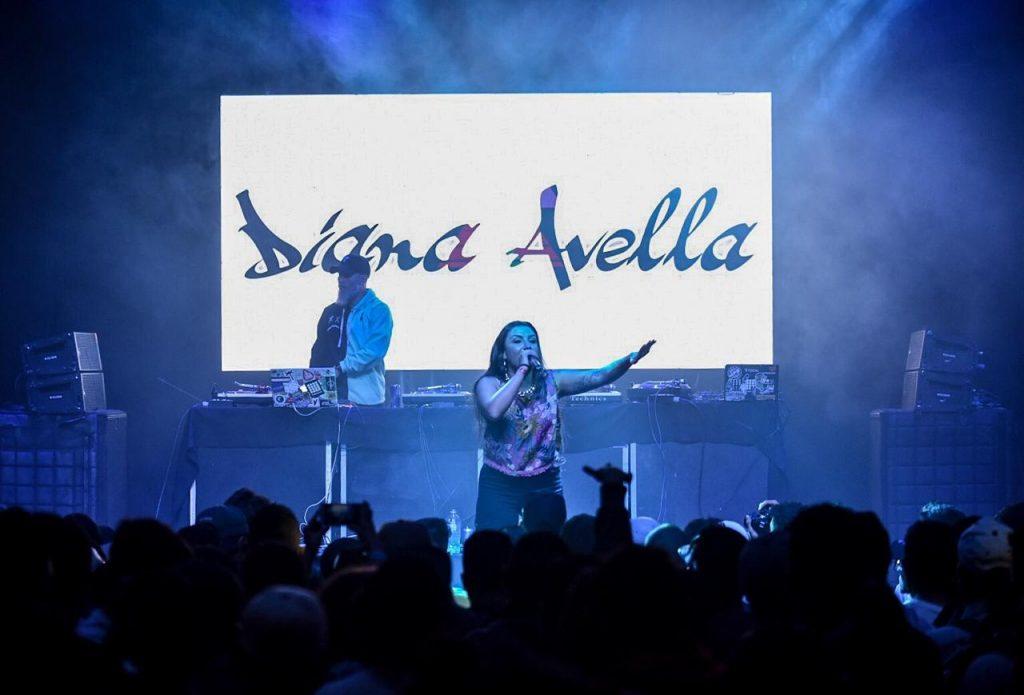 Diana Avella en concierto.