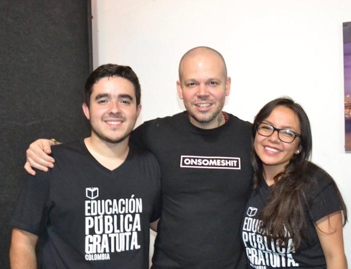 Residente con Jennifer y Alejandro. Imagen de Alejandro Palacios