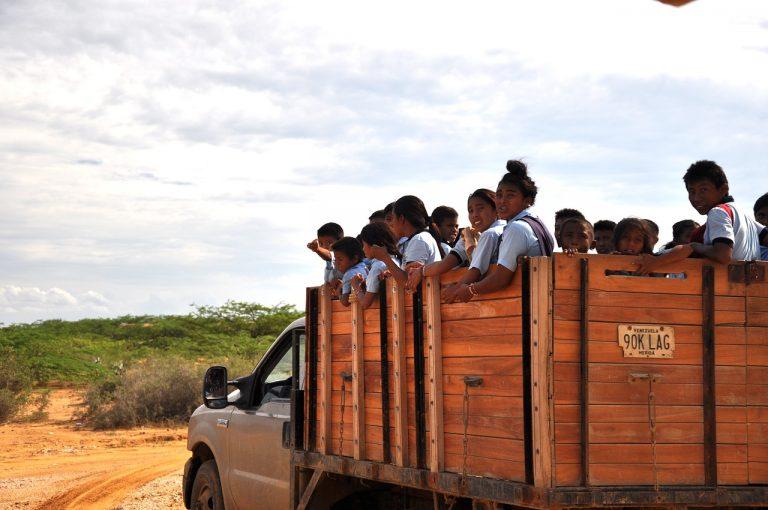 Escolares en frontera colombo-venezolana