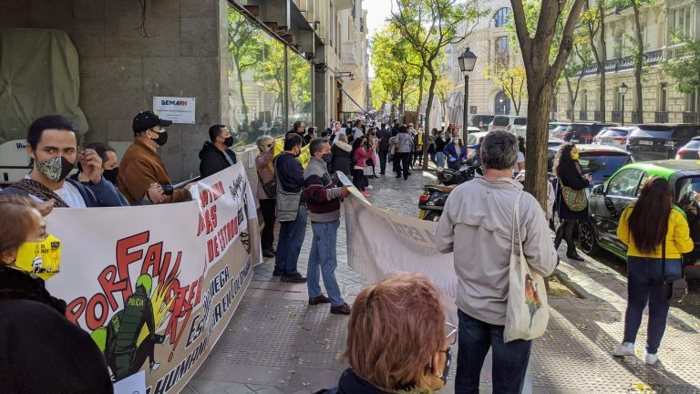 Protesta en Embajada de Colombia en Madrid