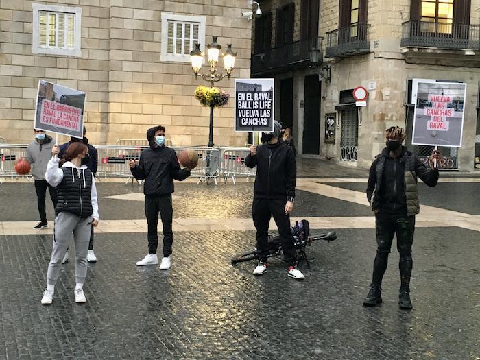 Jóvenes deportistas protestan en Barcelona. Imagen de Yezid Arteta